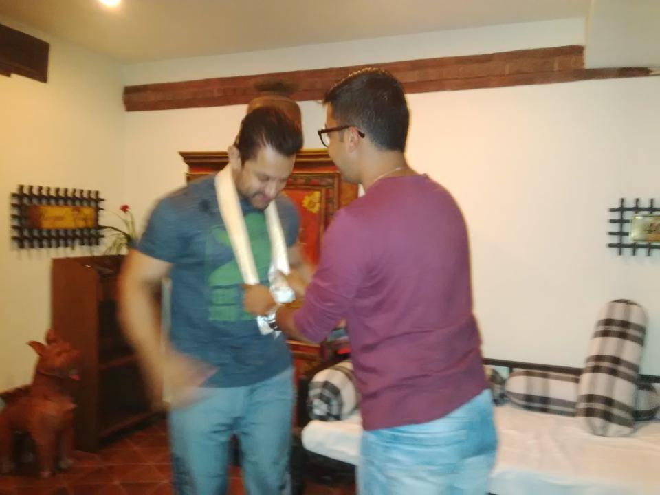 Bijay Gautam meets Aamir Khan in Kathmandu.