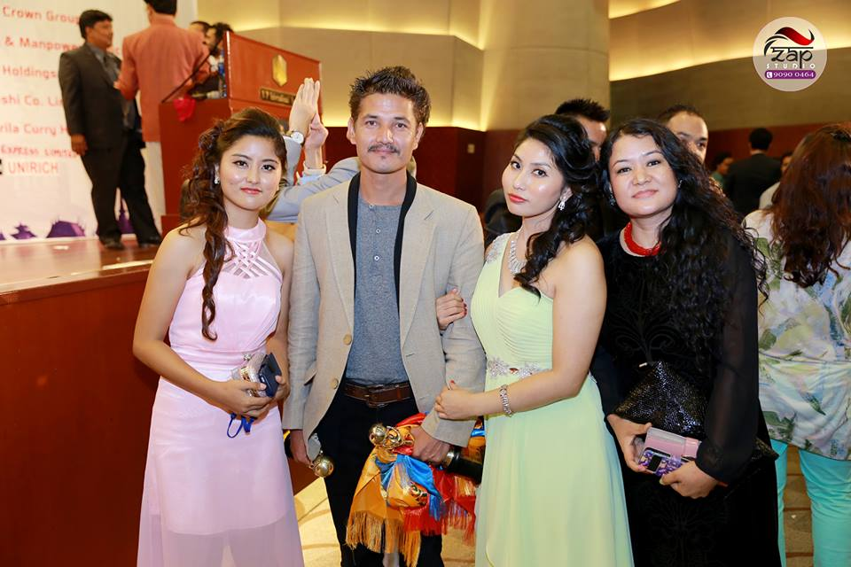 Aarpan Thapa with well-wishers Photo: ZapStudio