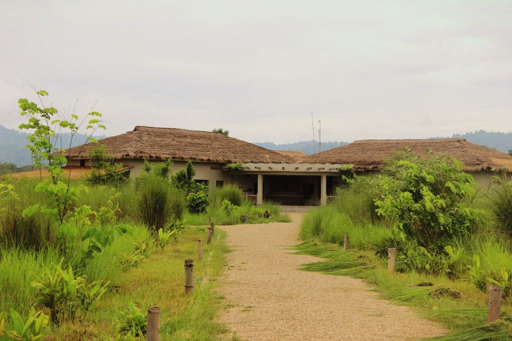The main building at Barahi Jungle Lodge