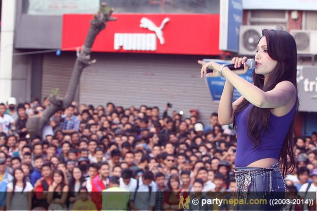 The Udhreko Choli singer Indira Joshi.