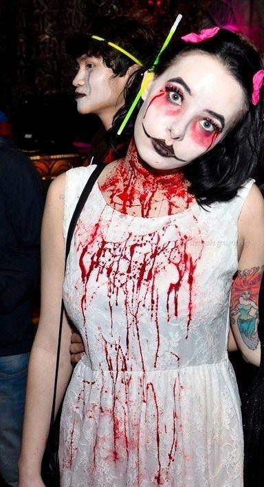 Halloween-Costume-977-5