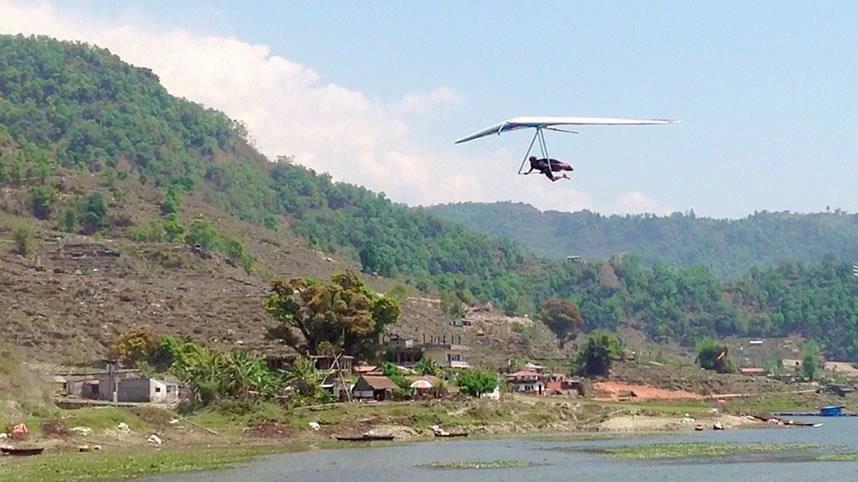 Hang gliding Nepal 2