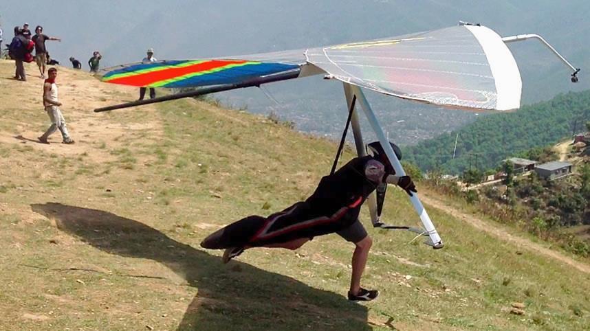 Hang gliding Nepal 3