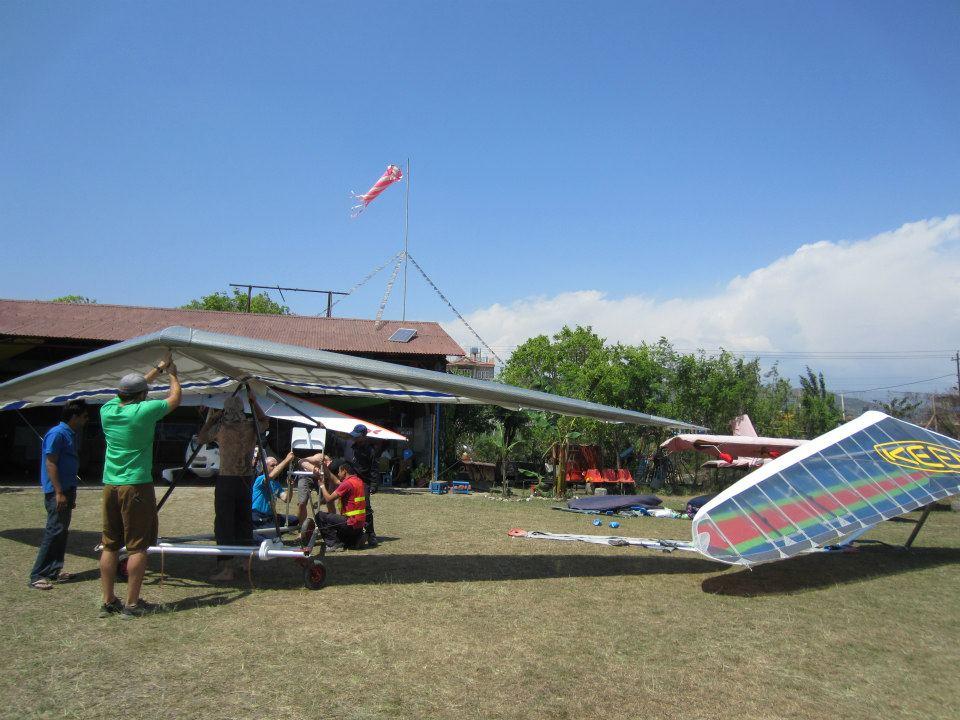 Hang gliding Nepal