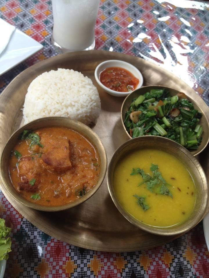 Chicken Thali.