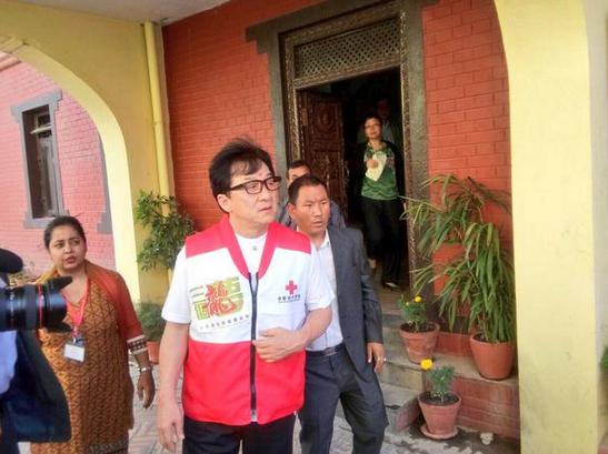Jackie-Chan-Nepal-Earthquake-2015-1