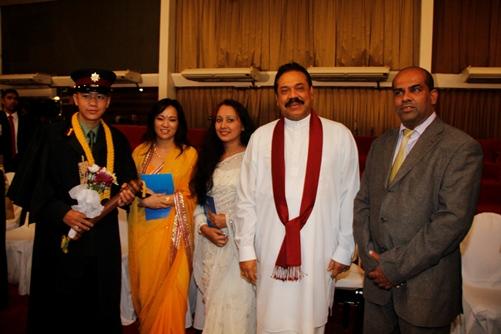 President Mahinda Rajapaksa with Nepal Army's Lieutenant Jit Bahadur Pun Magar and Nepali women. Photos courtesy: Anita Pariyar