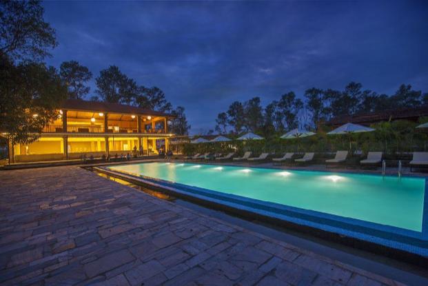 Kasara-Resort-Nepal-Pool-Sideview