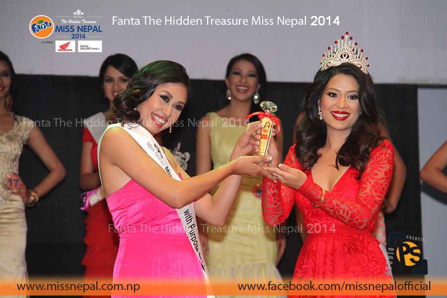 Prinsha Shrestha accepts her title win from Ishani!