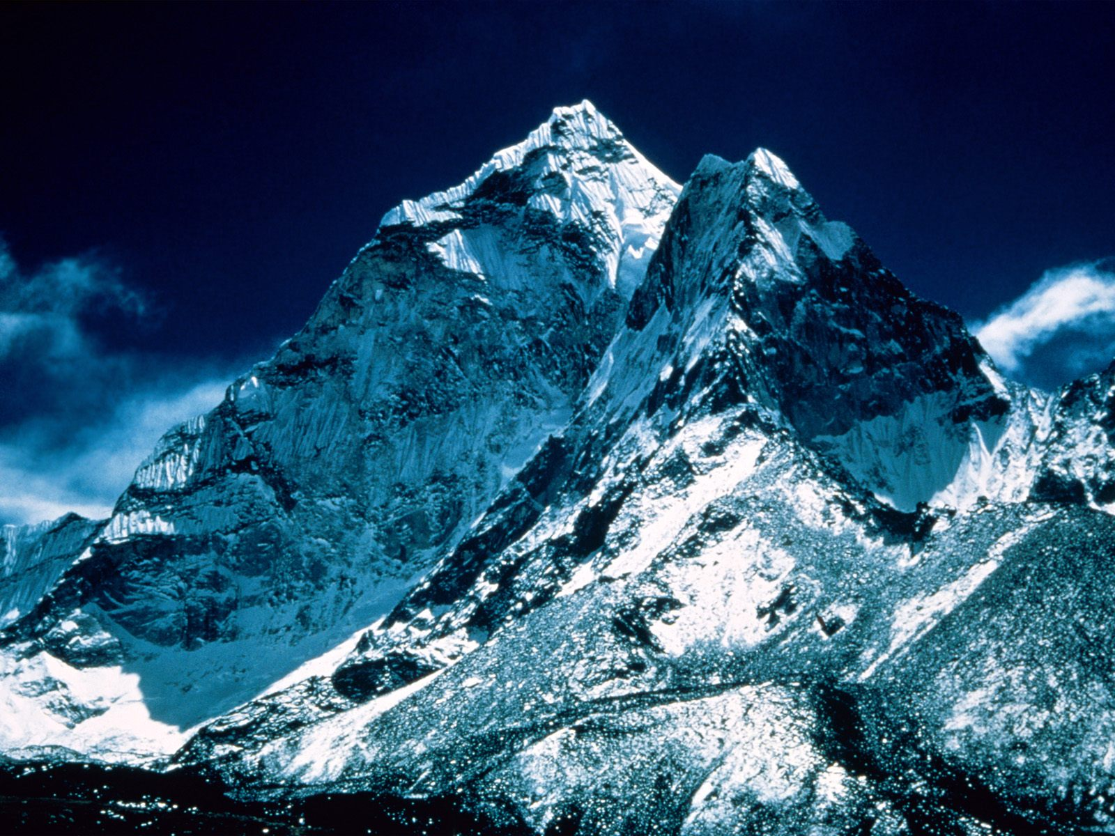 Mount-Everest-Litter