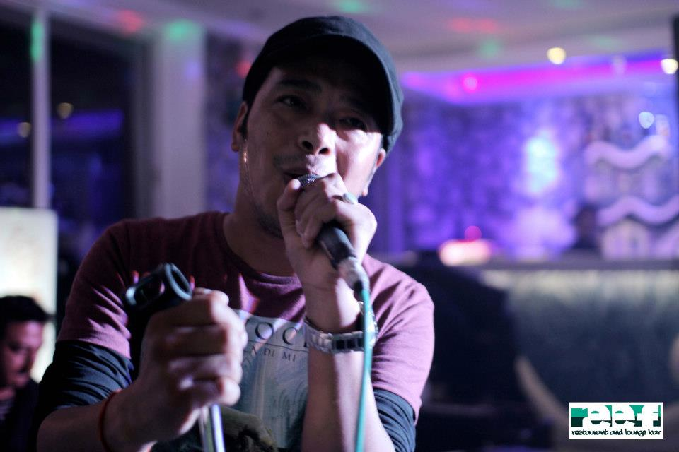 Working the crowd - Nima Rumba LIVE!