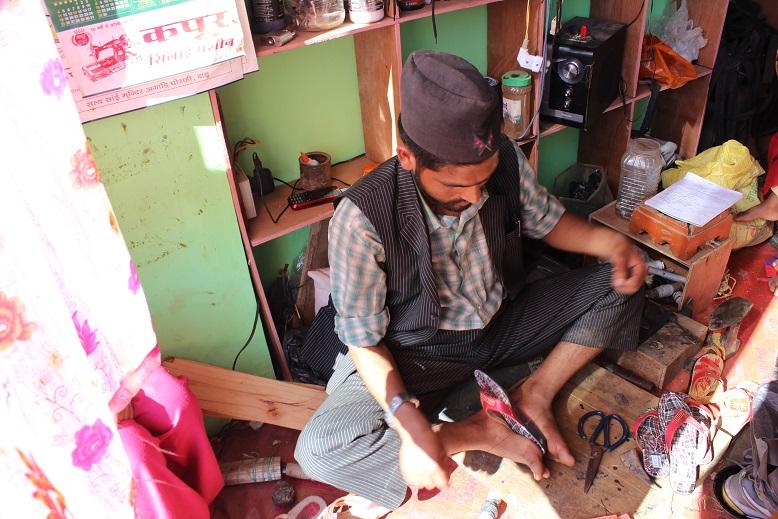 Padam-Bahadur-Shoemaker (3)