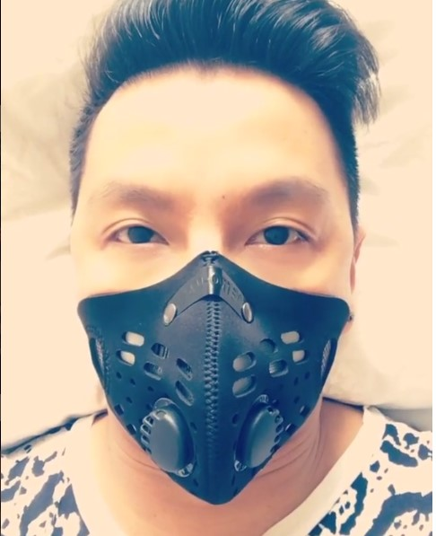 Prabal Gurung Showed Off His Moto Mask on Snapchat!