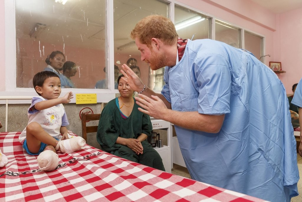 Prince Harry meets children at Kanti Children Hospital