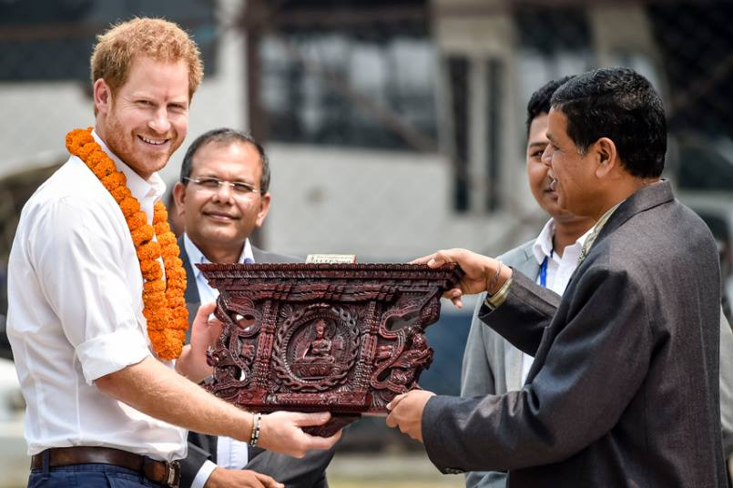 Seems like the Prince received many gifts during his trip (also a Khukuri)