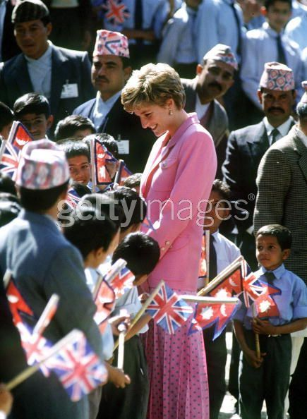 Princess-Diana-in-Nepal-2