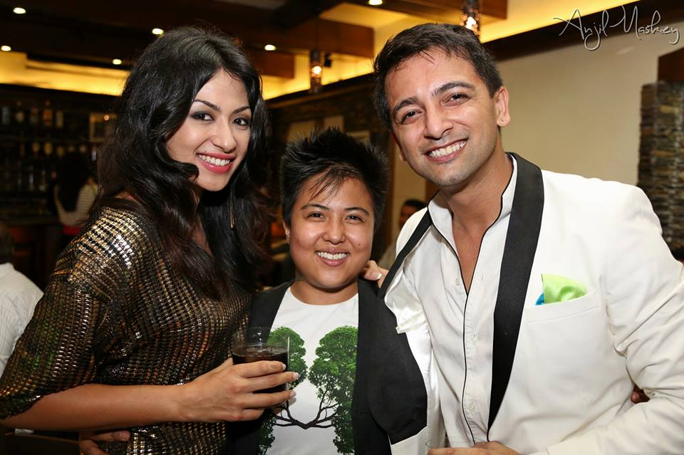 Sahana Bajracharya, Nattu and Varun Sjb Rana. Sahana's hair looks a little unhealthy...