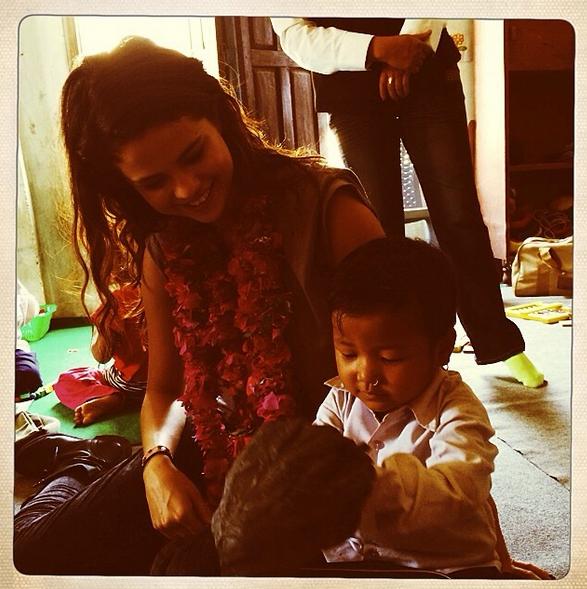 Selena-Gomez-Nepal-Instagram-1