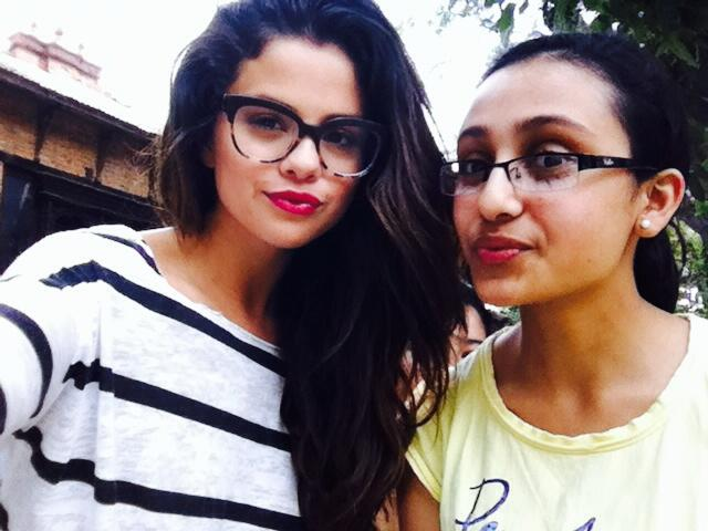Selena-Gomez-Selfie-Dwarikas