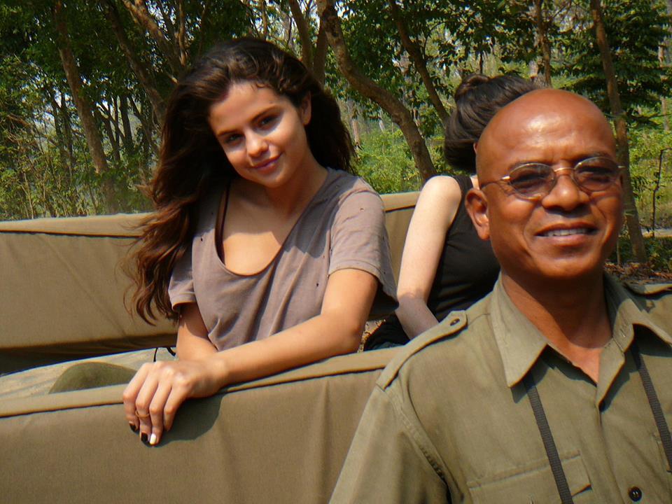 Selena-Gomez-Tiger-Tops-Nepal