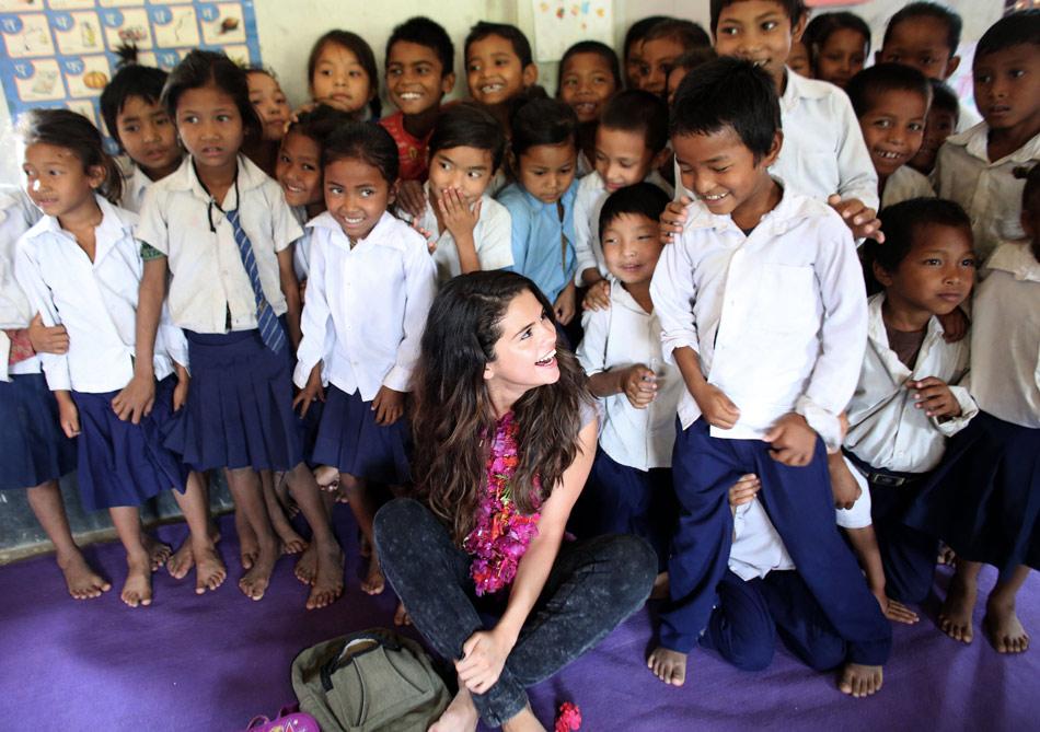 Selena-Gomez-UNICEF-Nepal-10