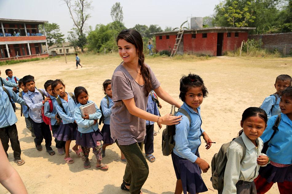 Selena-Gomez-UNICEF-Nepal-6