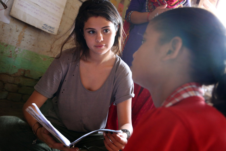Selena-Gomez-UNICEF-Nepal-7