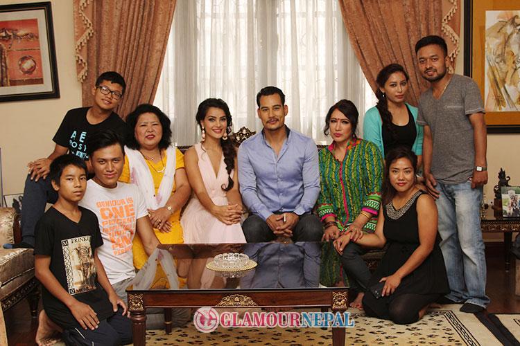 Shristi-Shrestha-Anoop-Bikram-Shahi-BTS-TEAM-PHOTO
