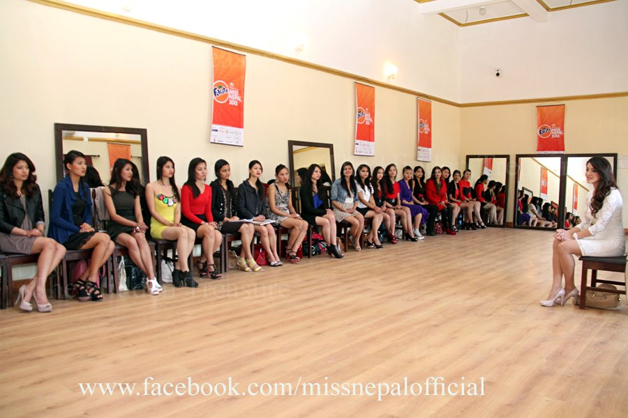 Current Miss Nepal Shristi Shrestha with the new contestants
