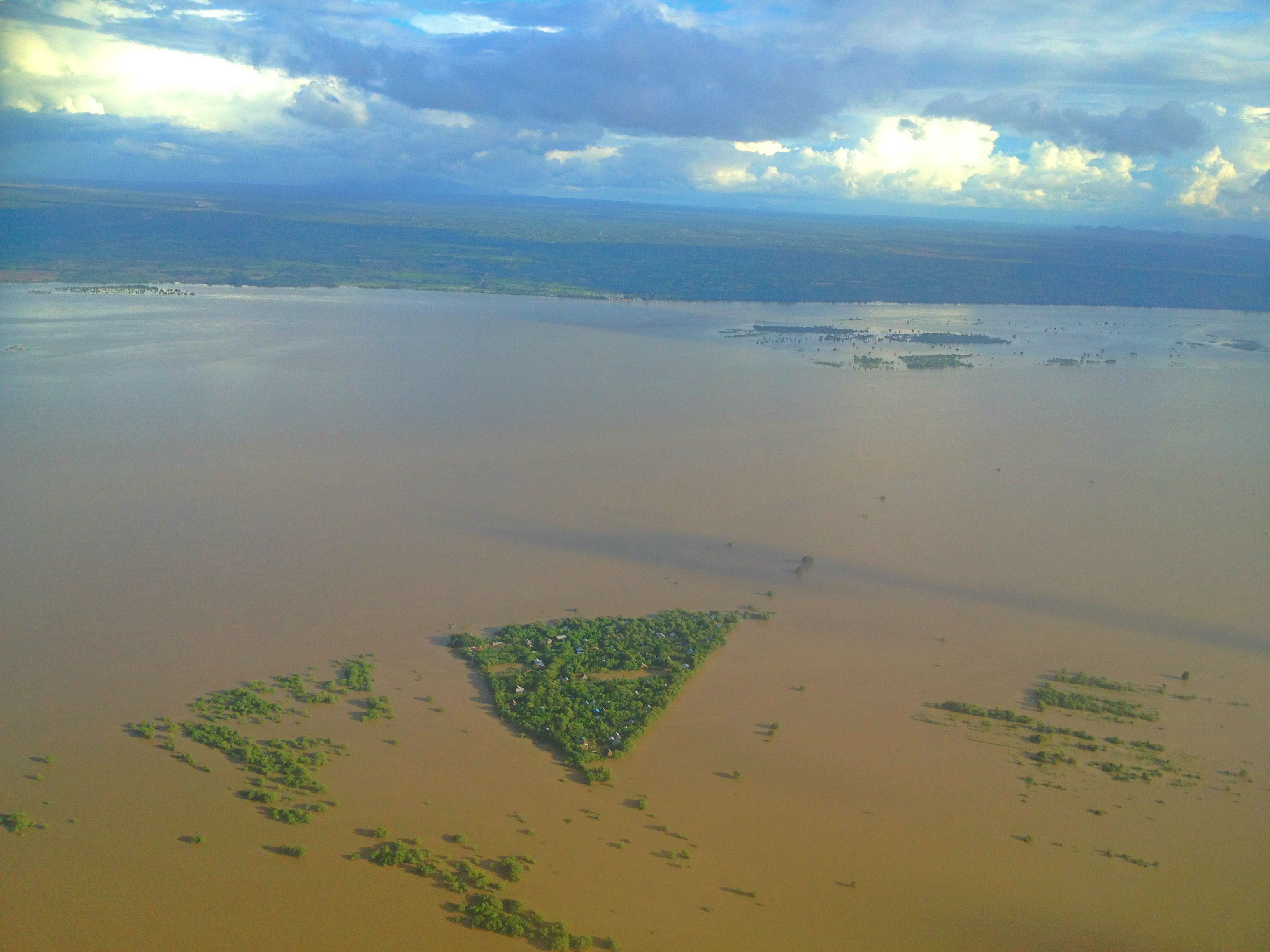 Sept 17: After a day in Yangon, capital city of Myanmar (Burma), I headed towards Bagan. This was when the plane flew over Irrawaddy River.