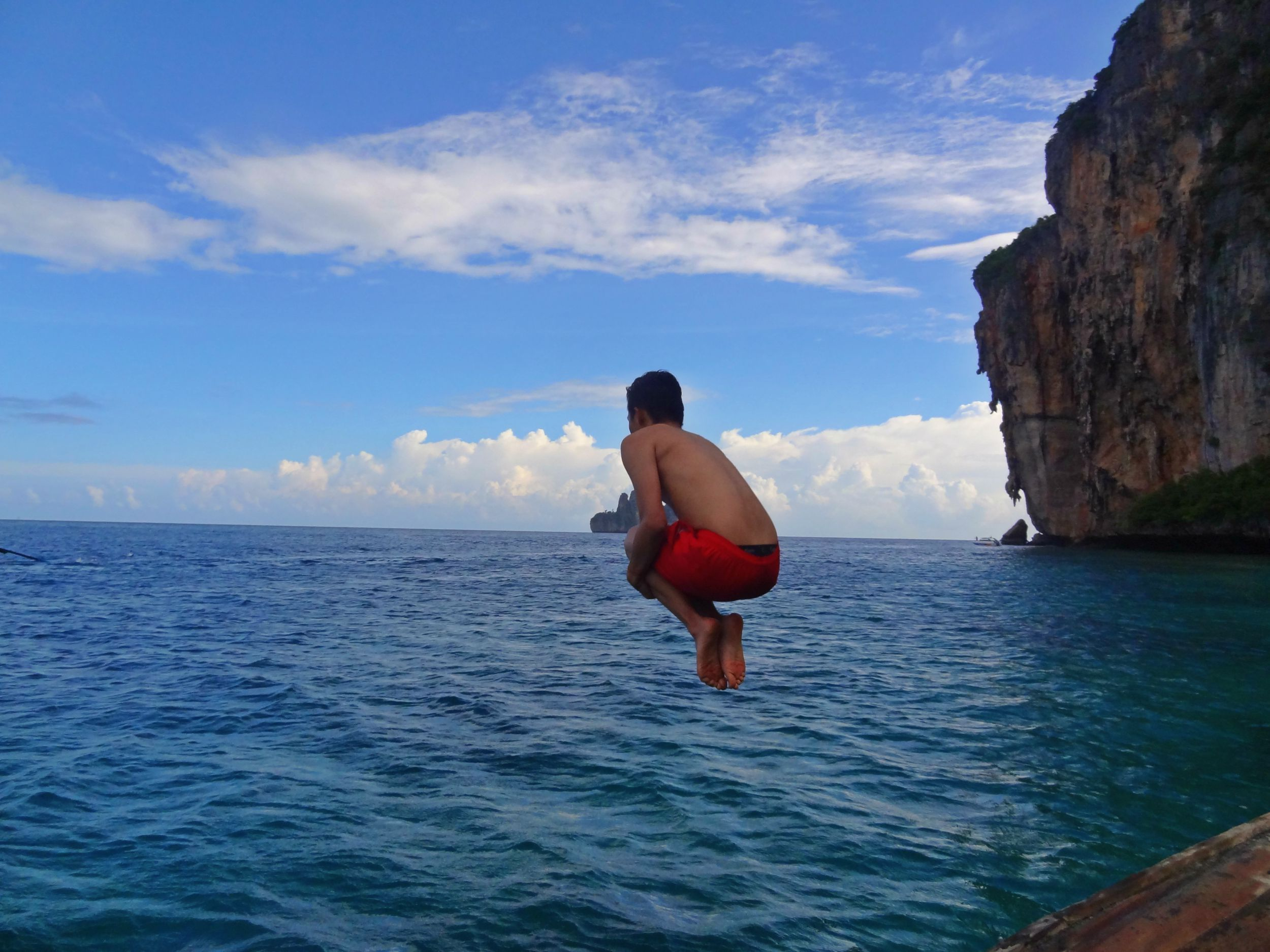 Aug 19: A boat trip to Maya Bay... snorkelling and all sorts. Off I go.
