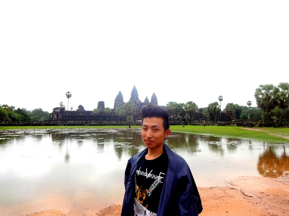 Aug 27: Spent the day at the Angkor Archaeological Park in Cambodia. That behind me is the Angkor Wat, the largest temple complex in the world. There are other beautiful historic sites in the same location including the Angkor Thom and the tomb where Angelina Jolie starrer Lara Croft Tomb Raider was filmed.